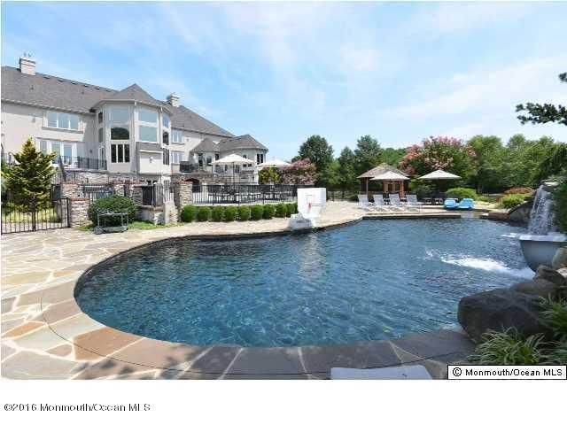 Additional photo for property listing at 6 Via Veneto  Morganville, New Jersey 07751 États-Unis