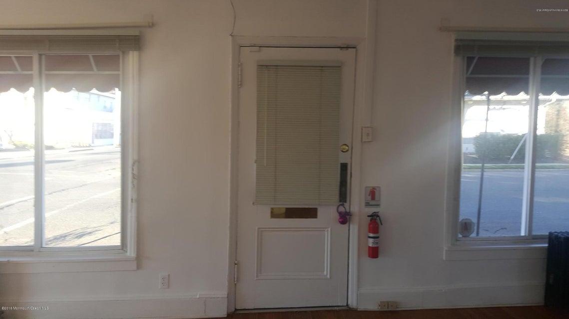 公寓 为 出租 在 651 2nd Avenue 朗布兰奇, 新泽西州 07740 美国