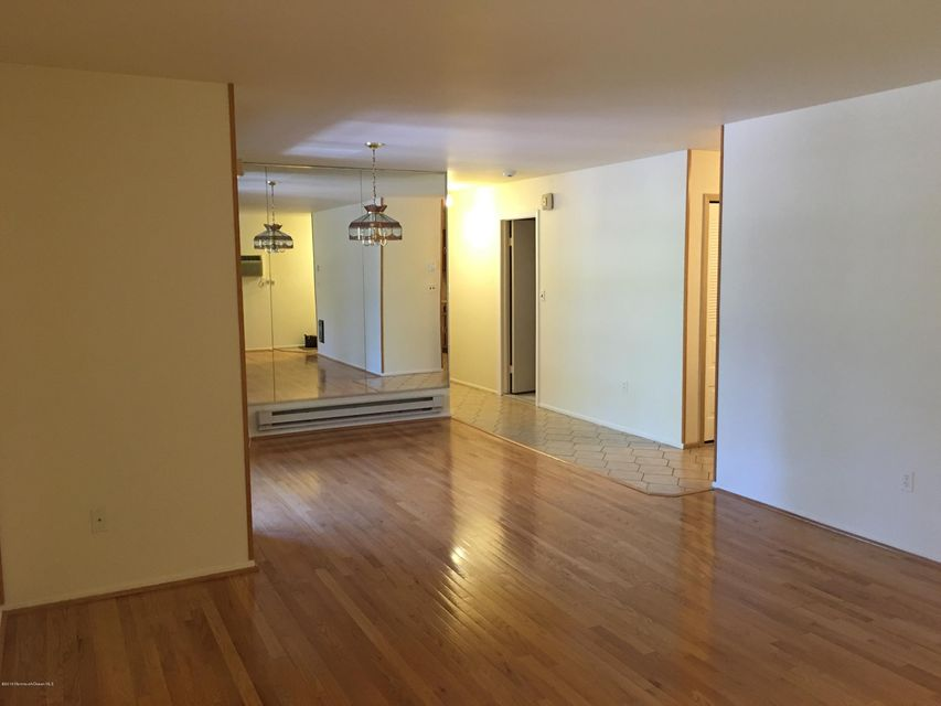 Additional photo for property listing at 158 Cross Slope Court  Manalapan, New Jersey 07726 États-Unis