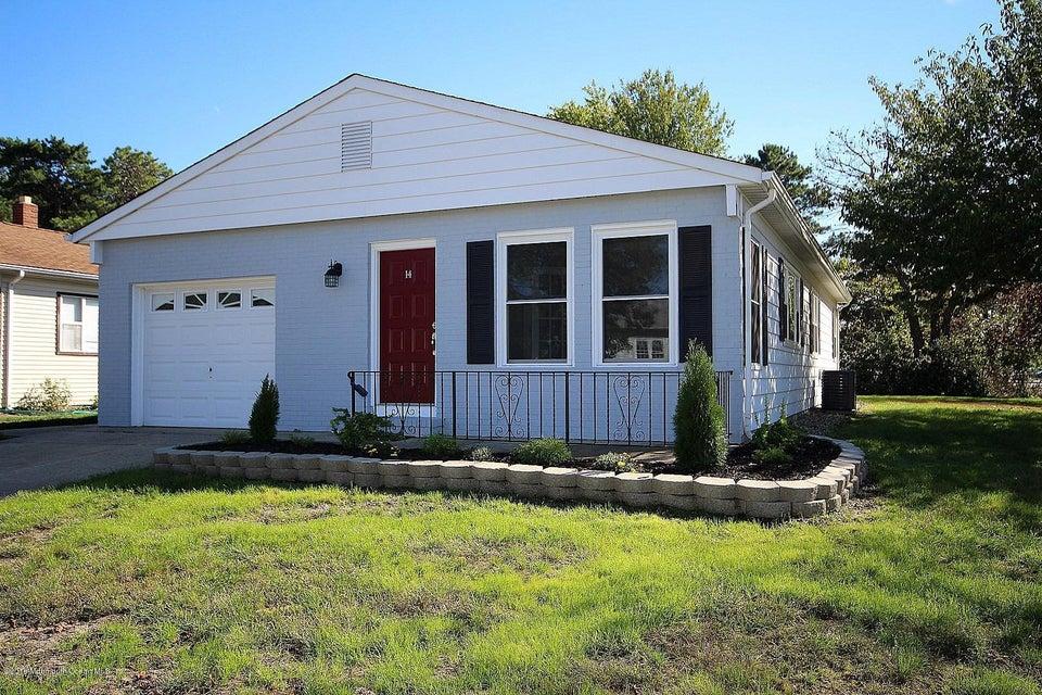 Casa Unifamiliar por un Venta en 14 Kresson Court Toms River, Nueva Jersey 08757 Estados Unidos