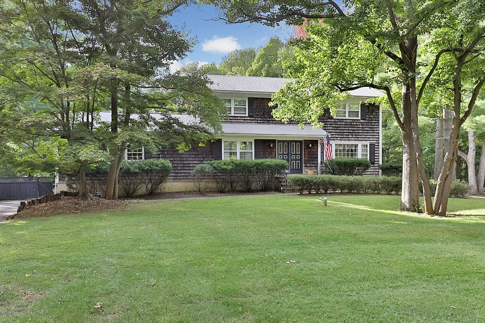 Photo of home for sale at 9 Salem Drive Drive, Colts Neck NJ