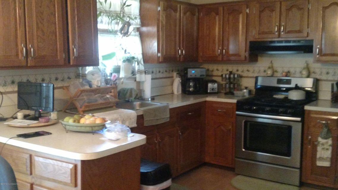 Additional photo for property listing at 537 Davids Court  Lakewood, New Jersey 08701 États-Unis