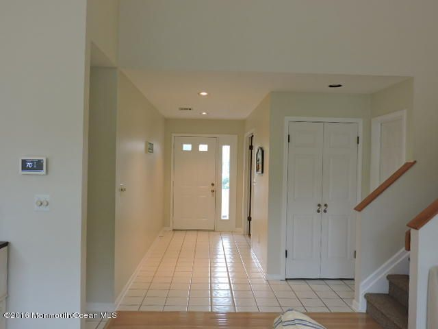 Additional photo for property listing at 106 Glimmer Glass Circle  Manasquan, New Jersey 08736 États-Unis
