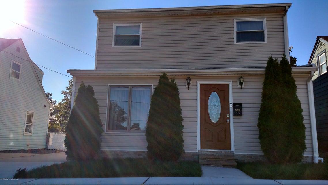 Maison unifamiliale pour l Vente à 69 Lafayette Street Milltown, New Jersey 08850 États-Unis