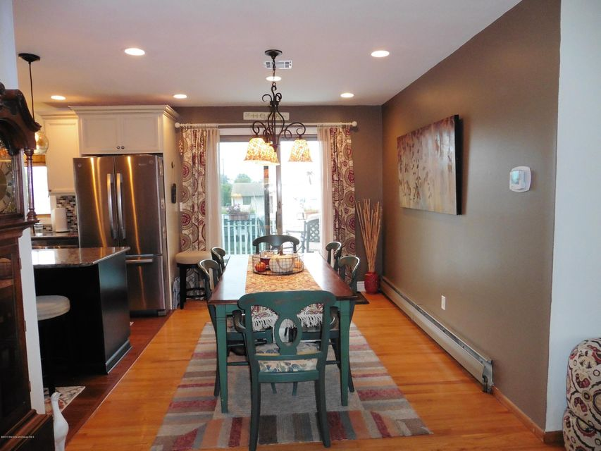 Additional photo for property listing at 17 Kingston Avenue  汤姆斯河, 新泽西州 08753 美国