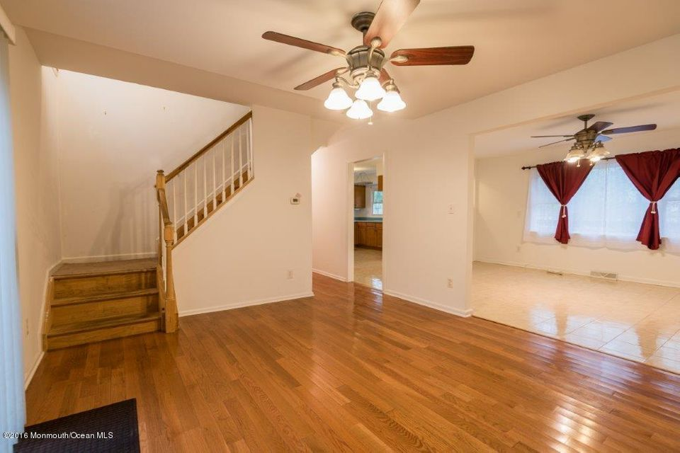 Additional photo for property listing at 569 Oak Tree Lane  Jackson, New Jersey 08527 États-Unis