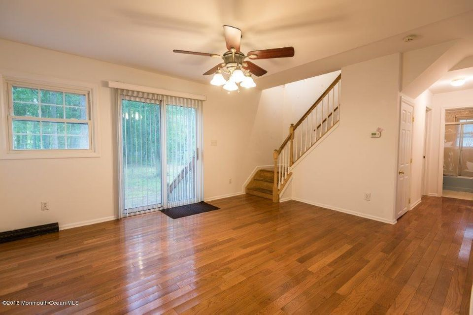Additional photo for property listing at 569 Oak Tree Lane  Jackson, Nueva Jersey 08527 Estados Unidos