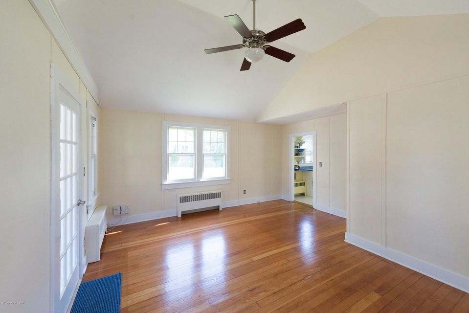 Additional photo for property listing at 107 Asbury Avenue  Atlantic Highlands, New Jersey 07716 États-Unis