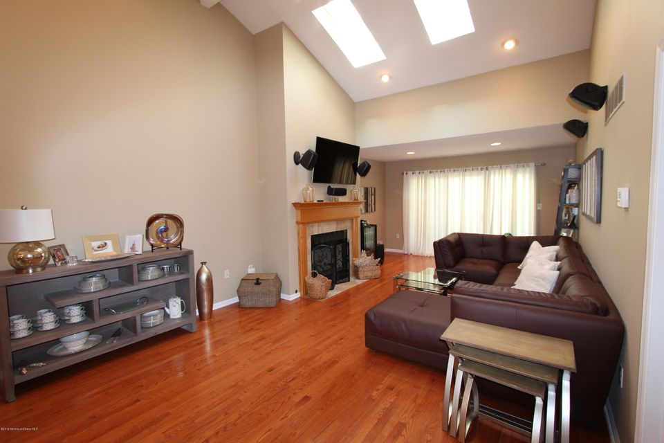 Additional photo for property listing at 32 Cherrywood Circle  布里克, 新泽西州 08724 美国
