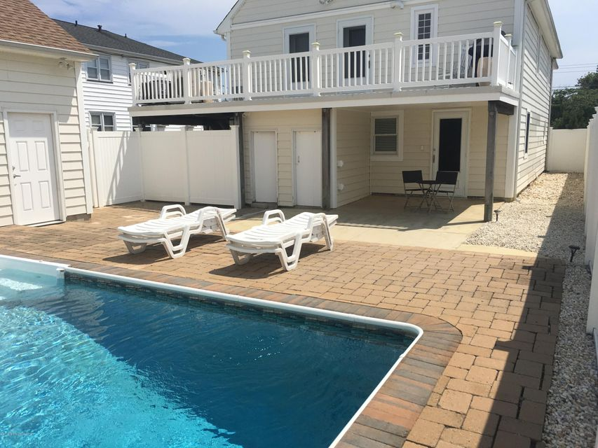 Additional photo for property listing at Address Not Available  Lavallette, New Jersey 08735 États-Unis