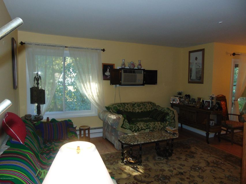 Additional photo for property listing at 72 Overlook Way  Englishtown, Nueva Jersey 07726 Estados Unidos