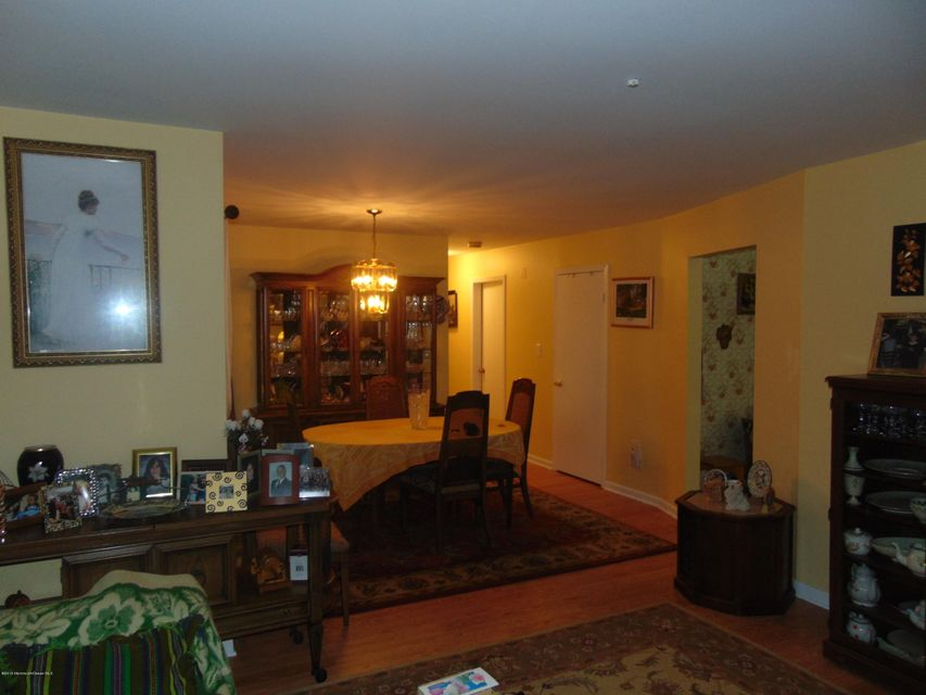 Additional photo for property listing at 72 Overlook Way  Englishtown, New Jersey 07726 États-Unis
