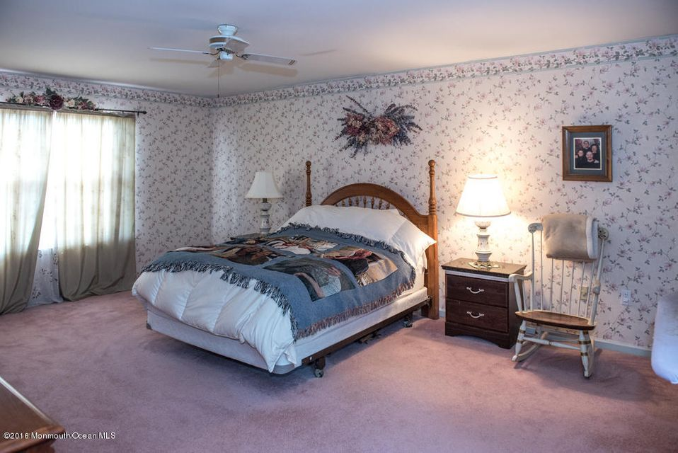 Additional photo for property listing at 8 Macintosh Court  Jackson, New Jersey 08527 United States
