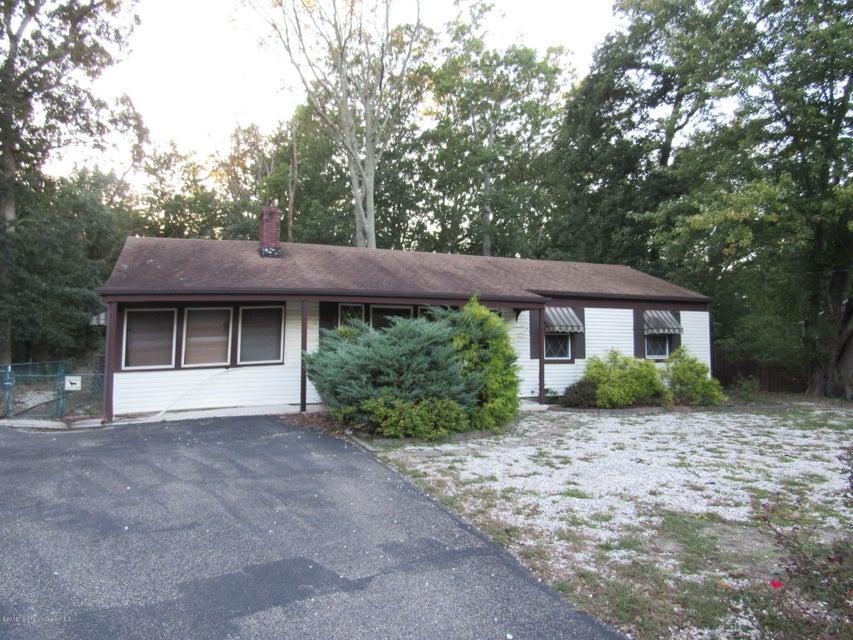 Maison unifamiliale pour l Vente à 828 Bartlett Place Toms River, New Jersey 08753 États-Unis