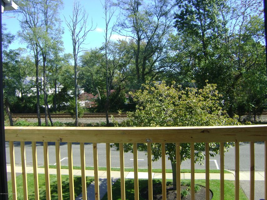 Additional photo for property listing at 105 Mount Lane  Manasquan, Nueva Jersey 08736 Estados Unidos