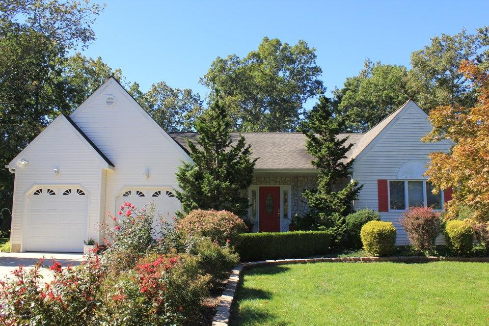 Maison unifamiliale pour l Vente à 328 Eastern Boulevard Bayville, New Jersey 08721 États-Unis