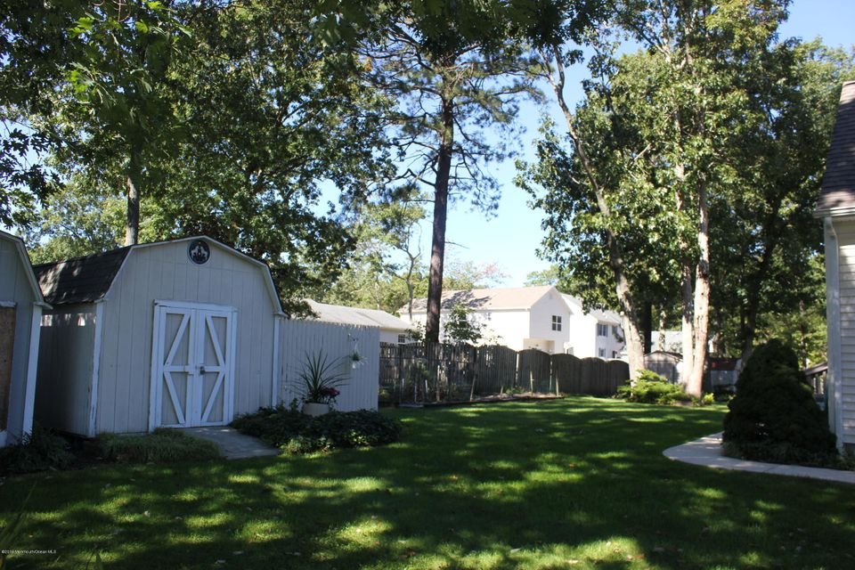 Additional photo for property listing at 328 Eastern Boulevard  Bayville, New Jersey 08721 États-Unis