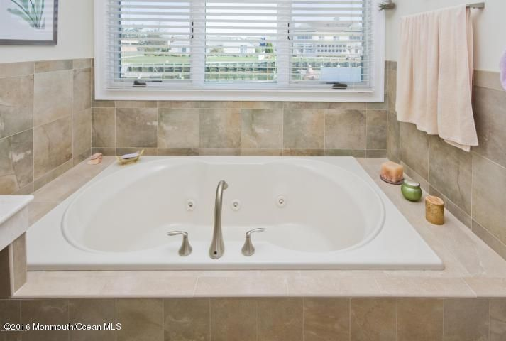 Additional photo for property listing at 20 Gull Point Road  Monmouth Beach, Nueva Jersey 07750 Estados Unidos