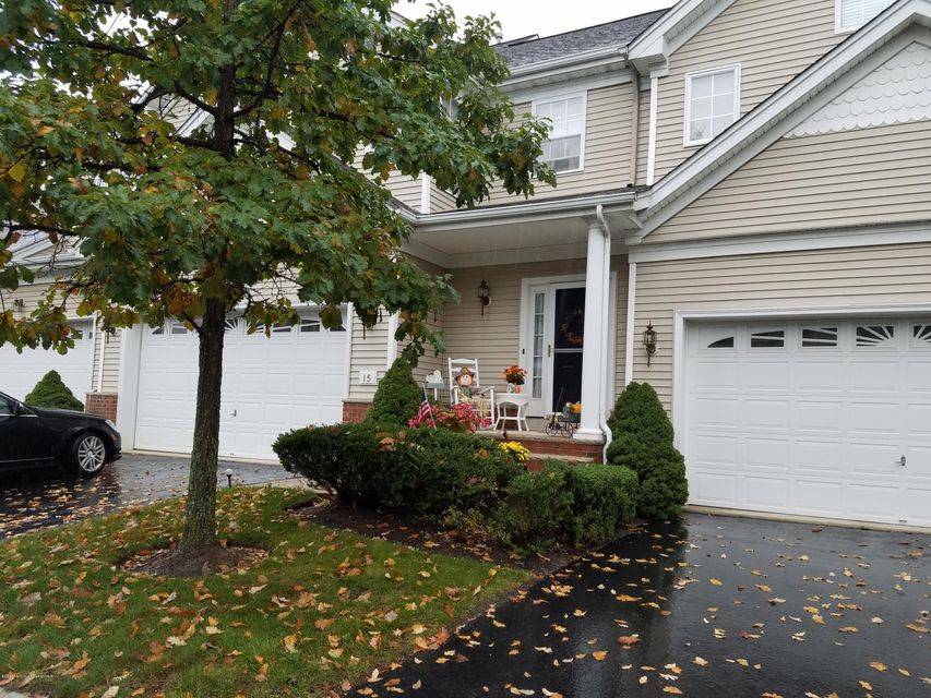 Additional photo for property listing at 15 Village Drive  Eatontown, New Jersey 07724 États-Unis