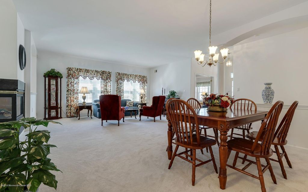 Additional photo for property listing at 40 Eleanor Road  Manchester, New Jersey 08759 États-Unis