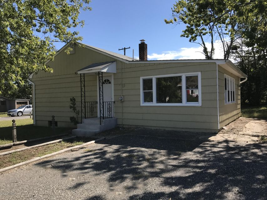 Maison unifamiliale pour l Vente à 53 Locker Street Beachwood, New Jersey 08722 États-Unis