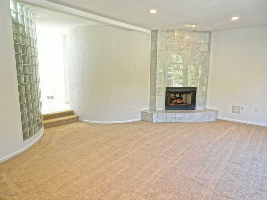 Additional photo for property listing at 111 Valesi Drive  Morganville, Nueva Jersey 07751 Estados Unidos