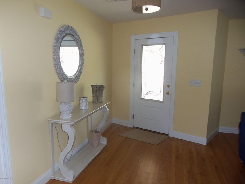 Additional photo for property listing at 217 3rd Avenue  Belmar, New Jersey 07719 États-Unis