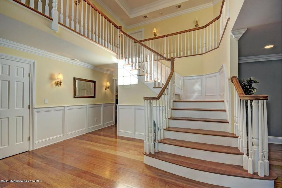 Additional photo for property listing at 10 Clover Hill Lane  Colts Neck, New Jersey 07722 United States
