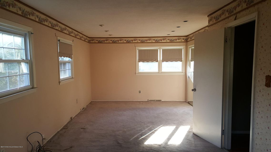 Additional photo for property listing at 27 Old Queens Boulevard  Manalapan, Nueva Jersey 07726 Estados Unidos