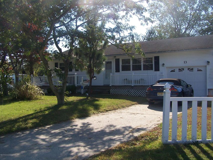 Additional photo for property listing at 13 Citadel Avenue  Toms River, New Jersey 08757 États-Unis