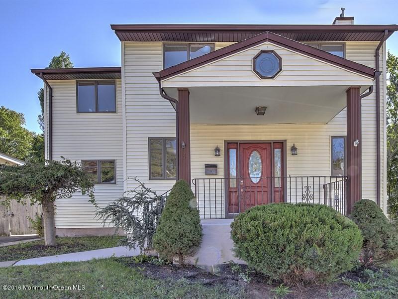 独户住宅 为 销售 在 15 Pergola Avenue Jamesburg, 08831 美国