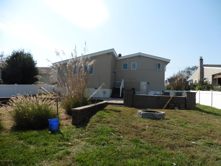 Additional photo for property listing at 42 Stockton Lake Boulevard  Manasquan, 新泽西州 08736 美国