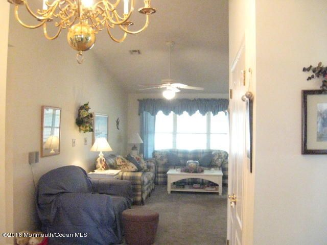 Additional photo for property listing at 13 Stroud Court  Toms River, New Jersey 08757 États-Unis
