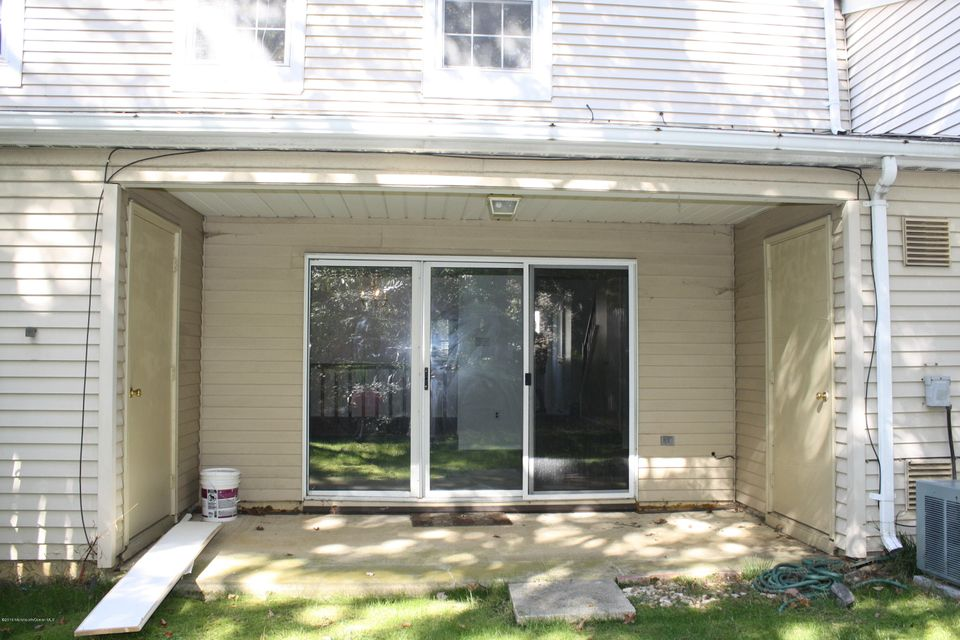 Additional photo for property listing at 229 Chaucer Court  Old Bridge, New Jersey 08857 United States