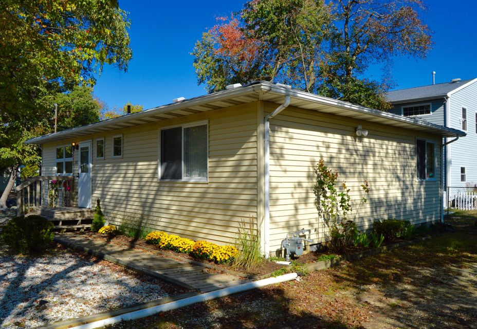 Additional photo for property listing at 557 Garfield Avenue  Toms River, New Jersey 08753 United States