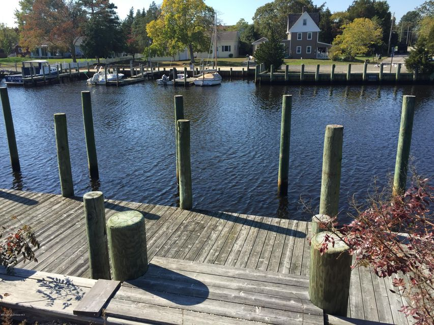 Additional photo for property listing at 376 Green Street  Tuckerton, New Jersey 08087 United States