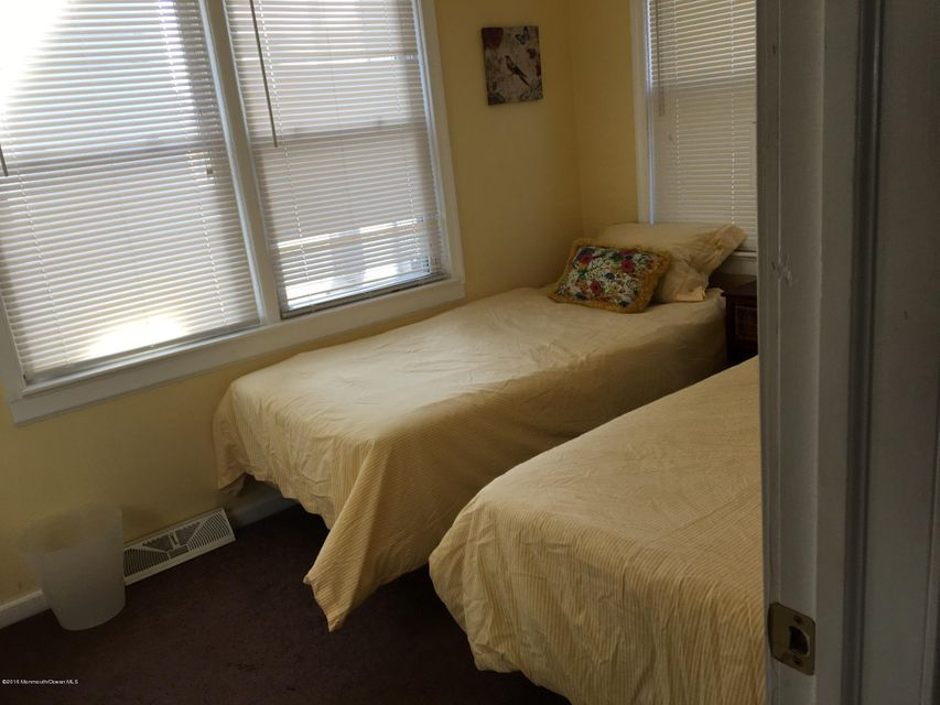Additional photo for property listing at 243 First Avenue  Manasquan, 新泽西州 08736 美国