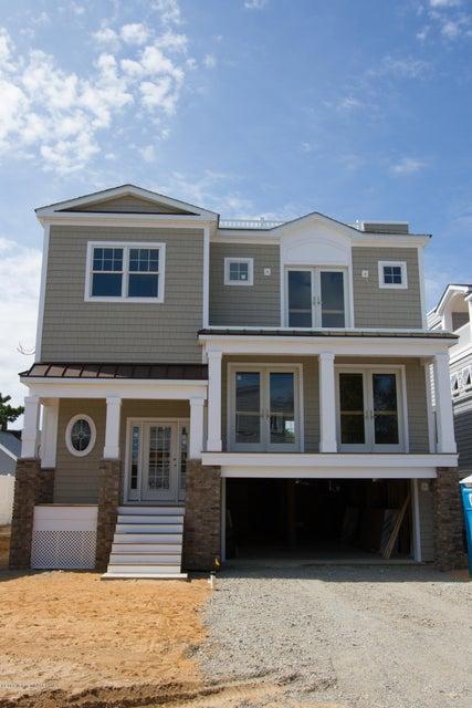 Maison unifamiliale pour l Vente à 44 11th Street Surf City, New Jersey 08008 États-Unis