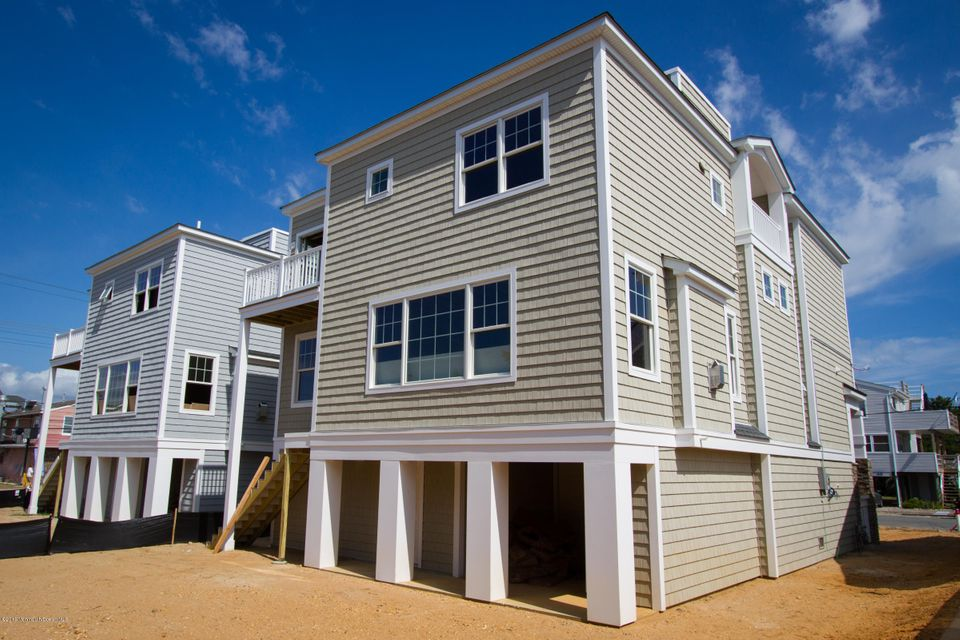 Additional photo for property listing at 44 11th Street  Surf City, New Jersey 08008 États-Unis