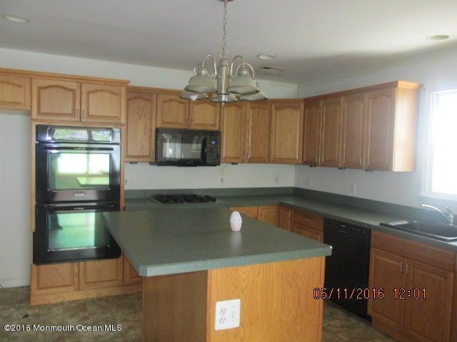 Casa Unifamiliar por un Venta en 132 Morningside Avenue North Middletown, Nueva Jersey 07748 Estados Unidos