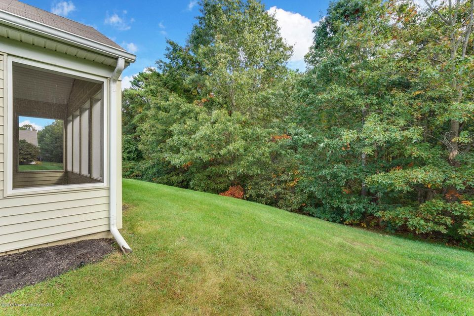 Additional photo for property listing at 19 Rosewood Drive  Lakewood, New Jersey 08701 États-Unis