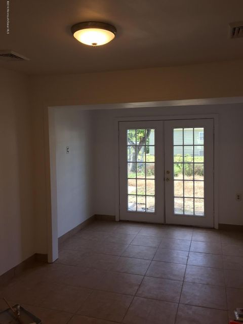 Additional photo for property listing at 141 Sherman Avenue  Bayville, New Jersey 08721 États-Unis
