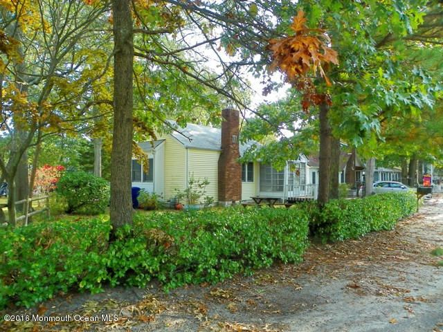 Additional photo for property listing at 207 Swan Boulevard  Toms River, New Jersey 08753 United States