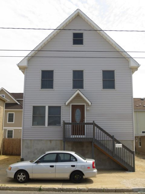 Multi-Family Home for Rent at 61 Fielder Avenue Ortley Beach, New Jersey 08751 United States