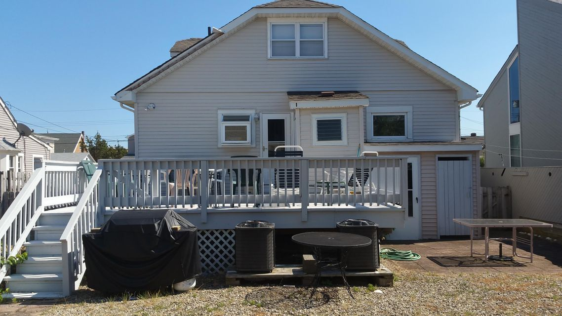 Additional photo for property listing at 105 Philadelphia Avenue  Lavallette, 新泽西州 08735 美国