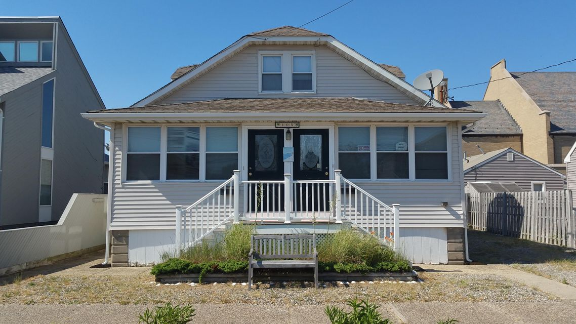 Single Family Home for Sale at 105 Philadelphia Avenue Lavallette, New Jersey 08735 United States