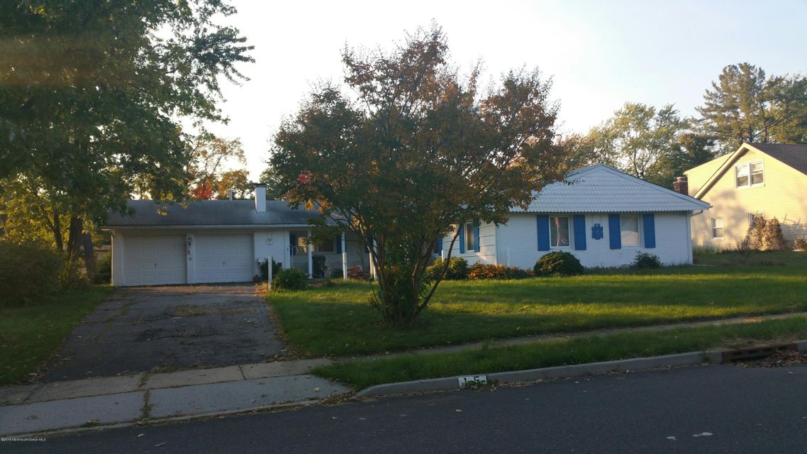 Single Family Home for Sale at 15 Kenwood Lane Matawan, New Jersey 07747 United States