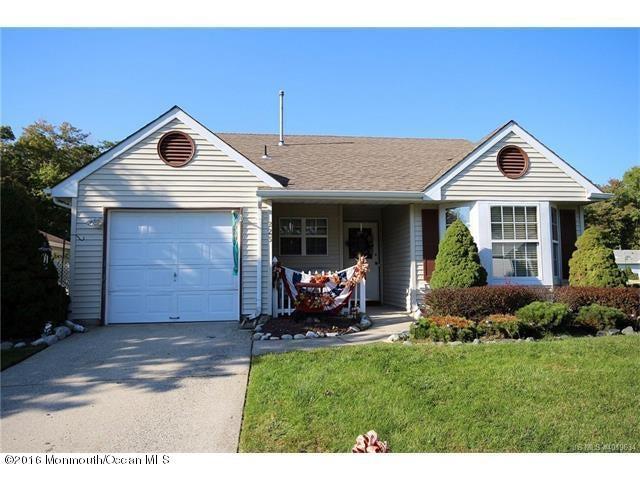 独户住宅 为 销售 在 223 Danbury Drive Little Egg Harbor, 新泽西州 08087 美国