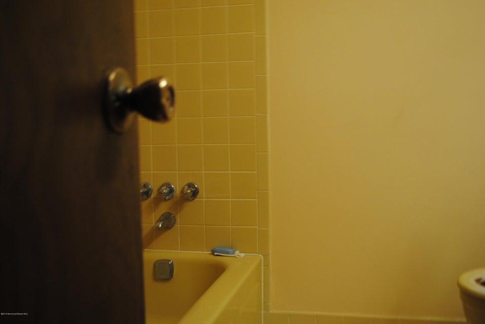 Additional photo for property listing at 162 Randolphville Road  Piscataway, Nueva Jersey 08854 Estados Unidos