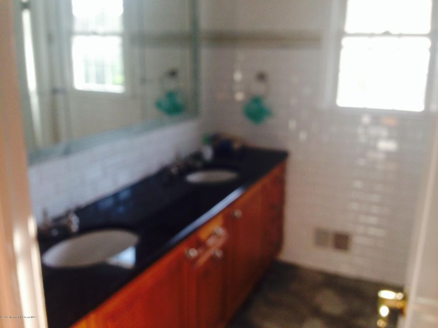 Additional photo for property listing at 3 Darien Drive  West Long Branch, New Jersey 07764 États-Unis